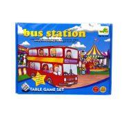 Buszos utasgyűjtő társasjáték, mindenki a maga buszára gyűjti az utasokat a kockákon dobott értékek szerint, fel vagy leszállnak az utasok, a legtöbb utast szállító busz nyer, 28x21 cm dobozban